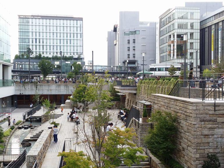 姫路駅前の風景