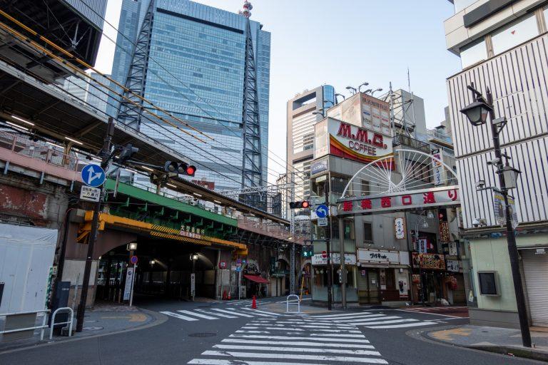新橋駅前の街並み