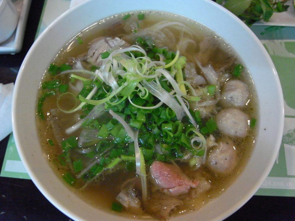 渋谷のベトナム料理店・ハノイのホイさんのフォー