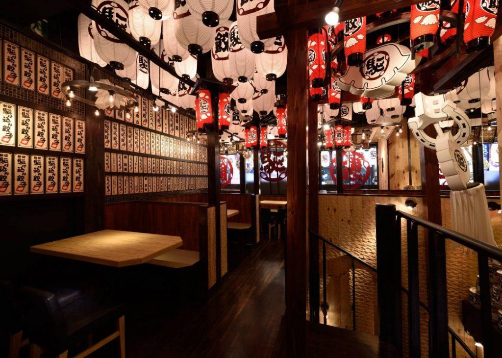 新宿の居酒屋・新宿駆け込み餃子の内観