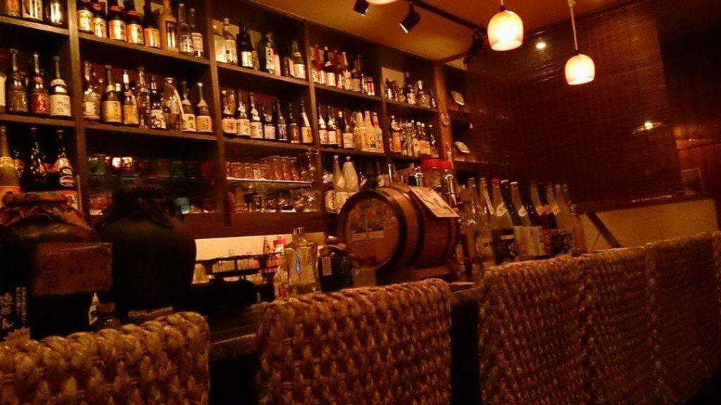 すすきのの居酒屋・Aサインバーの内観