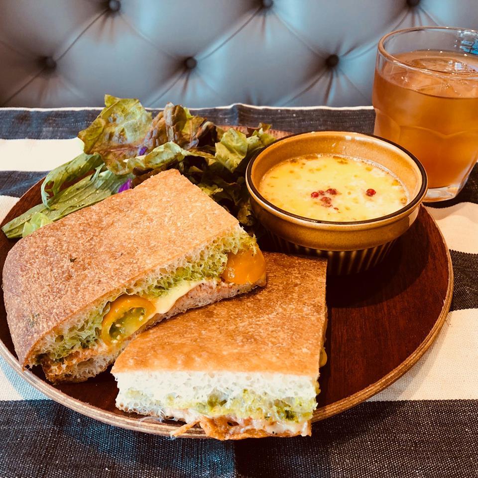 立川のランチ・NEIGHBORS BRUNCHのサンドイッチ